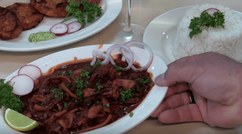 MITOS de la comida Cubana: Calamar a la Cubana, presentados por Albertico Pujol