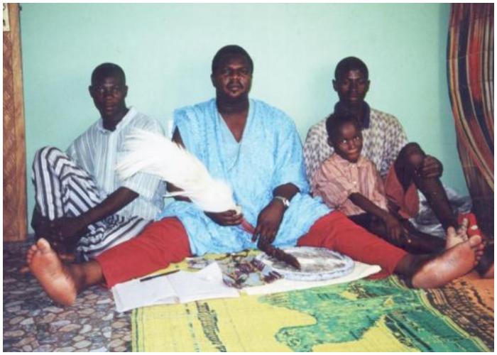 El Babalawo ejerce el máximo nivel en la jerarquía yoruba.