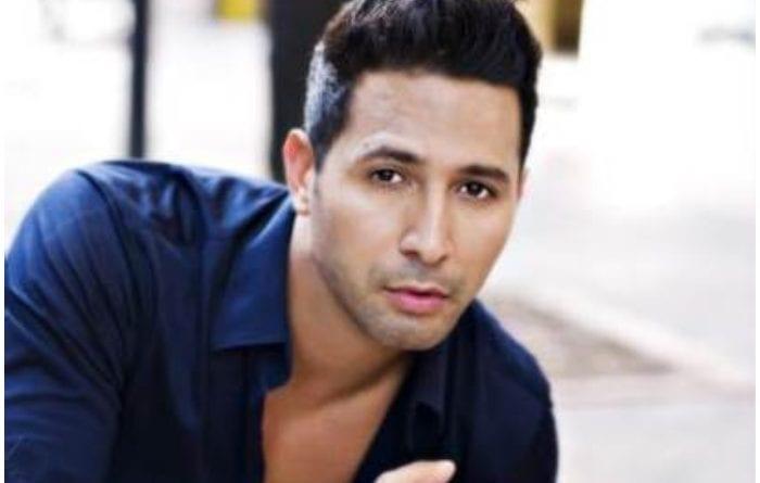 El cantante boricua Charlie Cruz llega a Cuba para participar en un Festival musical.