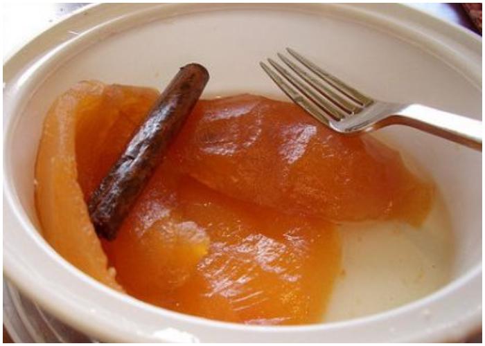 Delicioso dulce de casquitos de toronja, una delicia cubana.