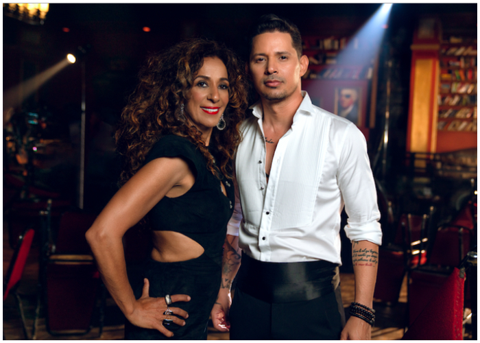 El cantautor cubano Leoni Torres, junto a la cantante española Rosario
