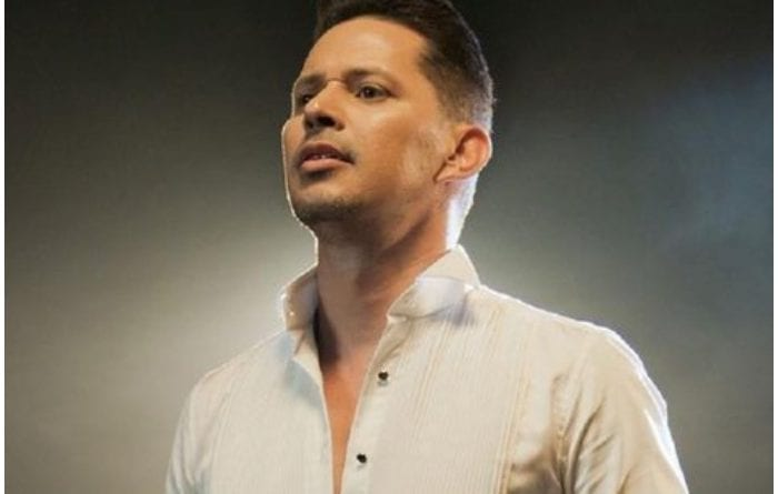 Leoni Torres, cantautor cubano.
