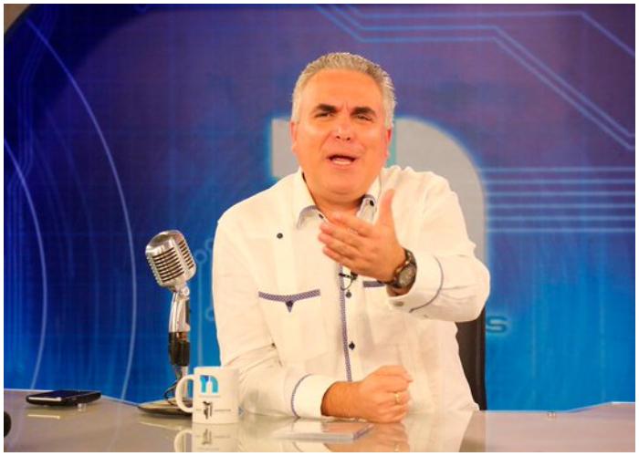 Periodista cubano Roberto Cavada.
