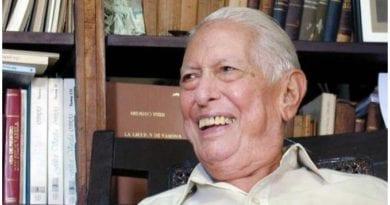 Cintio Vitier Bolaños.