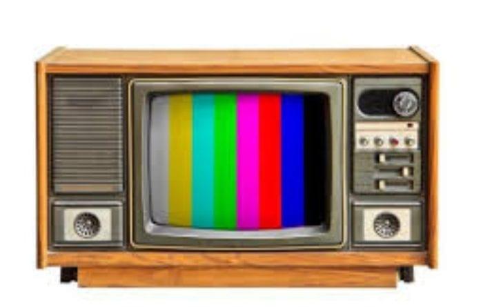 En el año 1958 se inició la televisión a color en Cuba.