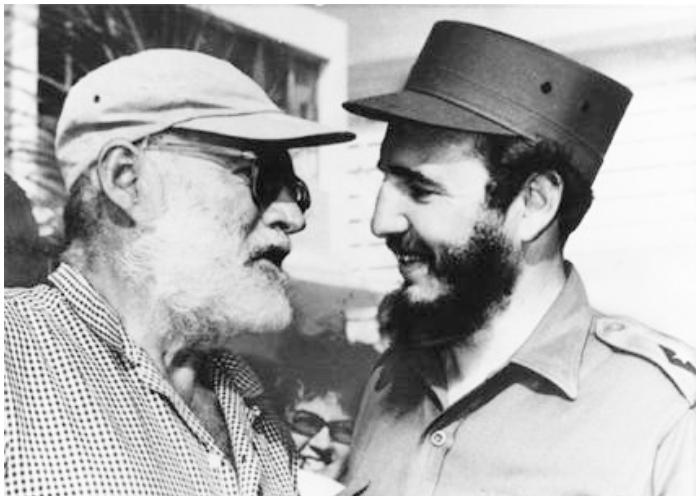 Ernest Hemingway en su único encuentro con Fidel Castro.