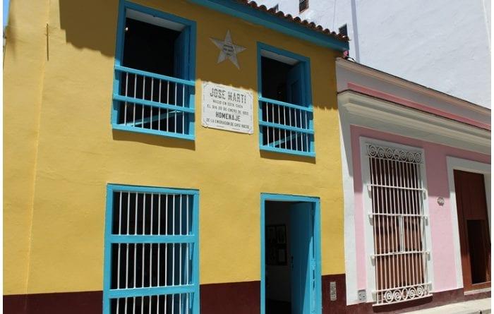 Fachada del Museo Casa Natal de Martí.