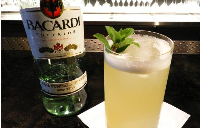 Facundo Bacardí Massó es el creador de esta reconocida bebida alcohólica nacida en Cuba.