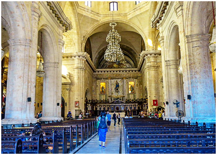 Interior de la Catedral de La Habana.