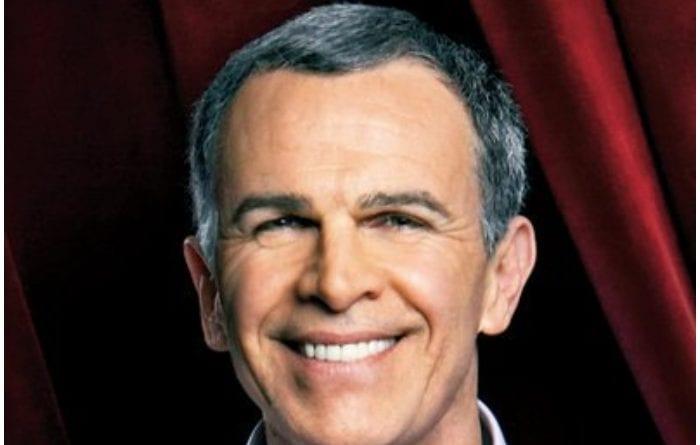 El actor y director cubano Tony Plana.