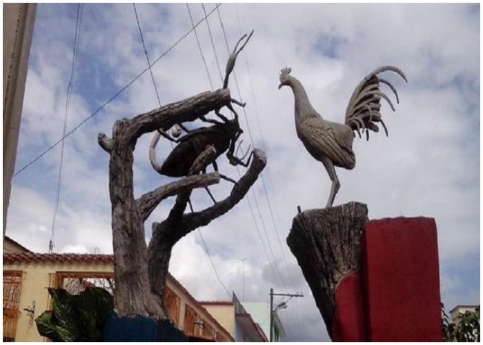 En Las Charangas de Bejucal se enfrentan los bandos de La Ceiba de Plata y La Espina de Oro.
