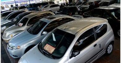Comprar carros en Cuba - FOTO