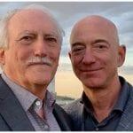 Jeff Bezos habla sobre su padre cubano ante el Congreso de EEUU