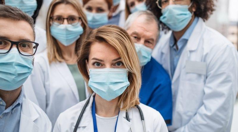 3.000 médicos, entre ellos cubanos, piden la homologación de su título en España