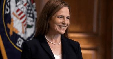 Amy Barrett es la quinta mujer en ser jueza de la corte suprema, en 231 años