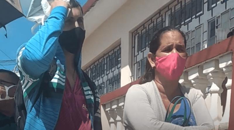 VIDEO Tutorial para sobrevivir las colas en Cuba