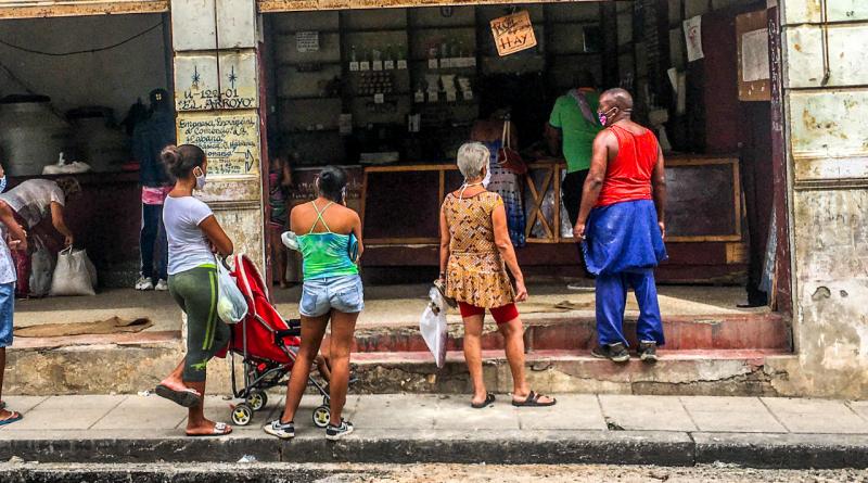 Cubanos recibirán anticipo de 1000 pesos del salario el 23 de diciembre
