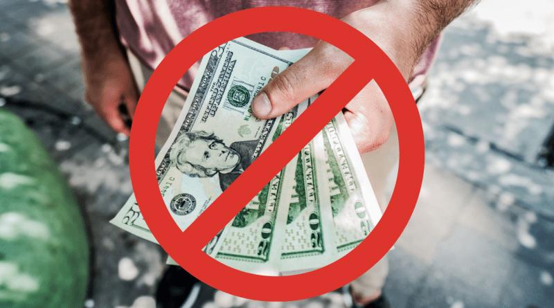 Cubanos que pasen cuentas de CUC a dólares no podrán sacar efectivo
