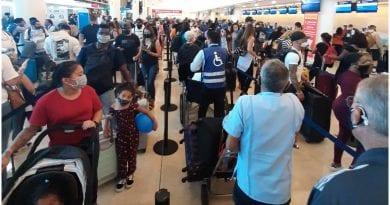 Viajeros cubanos varados Cancun