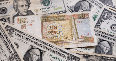 Bancos cubanos cambiarán cada dólar por 23.5 pesos