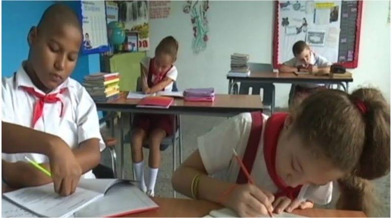 Estudiantes Cuba ciclo escolar