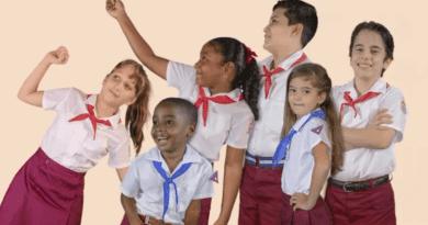 ¿Cuáles son los cambios de los nuevos uniformes escolares en Cuba?