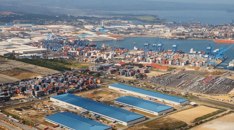 Panamá ofrece a cubanos visas de turismo para compras en la ZLC